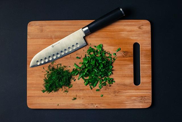 איך לשמור על סכין השף היקרה שלך?